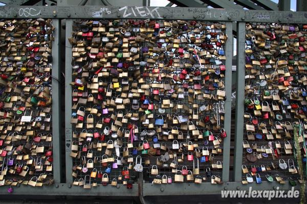 Fotografie: Schloesser an der Hohenzollernbrücke Köln